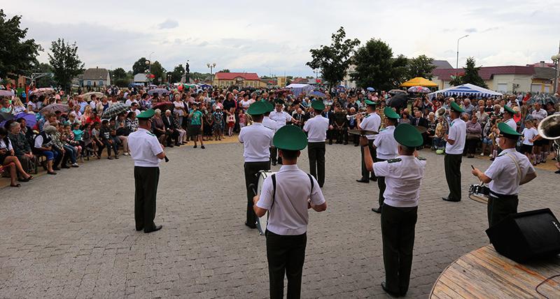 выступление духового оркестра Пинского пограничного отряда